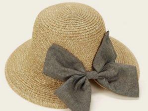 Hattu, beige, rusetilla