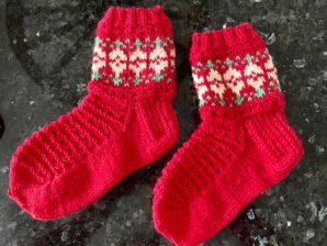 Tulppaani-sukat