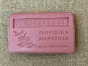 Marseille-saippua, kirsikankukka